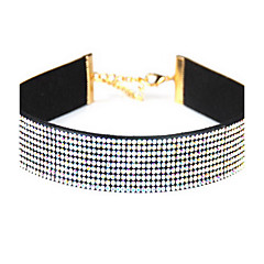 Naisten Choker-kaulakorut jäljitelmä Diamond Yksinauhainen Circle Shape Nahka Tekojalokivi Yksinkertainen Eurooppalainen pukukorut Korut