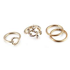 Női Ékszer készlet Karikagyűrűk Ujjperc gyűrű Szerelem Európai minimalista stílusú jelmez ékszerek Kocka cirkónia Strassz Ötvözet Heart