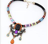 Женский Ожерелья с подвесками Заявление ожерелья Синтетические драгоценные камни Сплав Pоскошные ювелирные изделия Фольклорный стиль