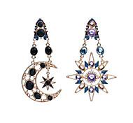 abordables -Hombre Mujer cuelga los pendientes Pendientes sin combinar La imitación de diamante Diseño Único Colgante Moda Personalizado Euramerican