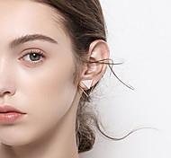Жен. Серьги-гвоздики Простой Классический Мода Серебрянное покрытие Позолота Сплав Геометрической формы Бижутерия Назначение Повседневные