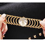 Недорогие -Жен. Уникальный творческий часы Модные часы Повседневные часы Китайский Кварцевый Повседневные часы сплав Группа Роскошь Мода Золотистый