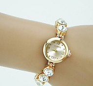 preiswerte -Damen Quartz Armband-Uhr Strass Imitation Diamant Legierung Band Charme Elegant Modisch Gold