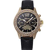 Недорогие -Жен. Наручные часы Китайский Новый дизайн / Секундомер / Очаровательный Кожа Группа Роскошь / Блестящие Черный / Белый / Синий