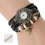 voordelige Gepersonaliseerde horloges-De gepersonaliseerde gift vrouwen drielaags wrap pu lederen armband analoge gegraveerd horloge met strass