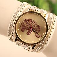 cheap Fashion Watches-Women's Quartz Wrist Watch / Bracelet Watch Imitation Diamond Leather Band Cartoon / Fashion White / Blue / Red / Gold