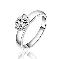 Dame Ring Imitasjon Diamant Enkelt design Sølvplett Rund Form Smykker Til Bryllup Fest Spesiell Leilighet Bursdag Engasjement Daglig
