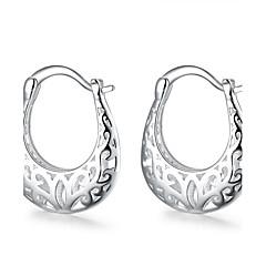 Női Beszúrós fülbevalók Francia kapcsos fülbevalók Vésett Európai jelmez ékszerek Réz Ezüstözött Flower Shape Ékszerek Kompatibilitás