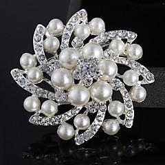 お買い得  ブローチ-女性用 ブローチ - 真珠, 人造真珠, 銀メッキ フラワー ぜいたく, ダブルレイヤー, ファッション ブローチ シルバー 用途 結婚式 / パーティー / カジュアル / イミテーションダイヤモンド