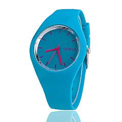 여성용 패션 시계 캐쥬얼 시계 석영 실리콘 밴드 블랙 화이트 블루 레드 오렌지 브라운 그린 핑크 퍼플 노란색 로즈