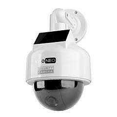 흰색 kingneo kd201s 더미 태양 전원 스피드 돔 카메라 시뮬레이션 야외 보안 카메라 2 개