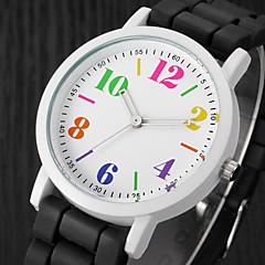preiswerte Damenuhren-Damen Armbanduhr Quartz Armbanduhren für den Alltag Silikon Band Analog Charme Freizeit Modisch Schwarz / Weiß / Blau - Schwarz / Weiß Regenbogen Leicht Grün