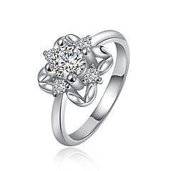 preiswerte Ringe-Damen Kubikzirkonia Bandring - Zirkon, Kubikzirkonia, versilbert Luxus 7 / 8 Silber / Rose / Golden Für Hochzeit / Party / Alltag / Diamantimitate