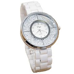 preiswerte Damenuhren-Damen Modeuhr Simulierter Diamant Uhr Quartz Imitation Diamant Keramik Band Weiß