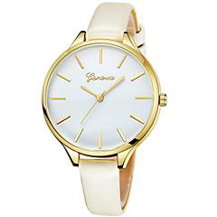 preiswerte Damenuhren-Geneva Damen Armbanduhr Chinesisch Neues Design / Armbanduhren für den Alltag / Cool Leder Band Freizeit / Modisch Schwarz / Blau / Rot / Ein Jahr