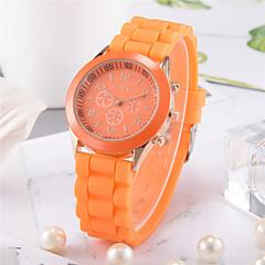 preiswerte Damenuhren-Damen damas Armbanduhr Quartz Armbanduhren für den Alltag Silikon Band Analog Modisch Mehrfarbig Schwarz / Weiß / Blau - Hellblau Leicht Grün Dunkelgrün