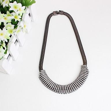 Dame Coliere Choker Bijuterii Circle Shape Bijuterii Diamante Artificiale AliajLa modă Personalizat Euramerican stil minimalist bijuterii