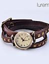 Femmes à la mode Rivet PU Montre analogique bracelet à quartz (couleurs assorties)