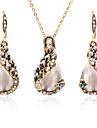 Dam Opal Smyckeset - Zircon Hängande Ljuv, Mode Omfatta Guld Till Dagligen Bikini / Örhängen